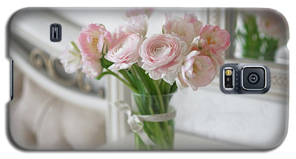 Bouquet Of Delicate Ranunculus And Tulips In Interior Galaxy S5 Case