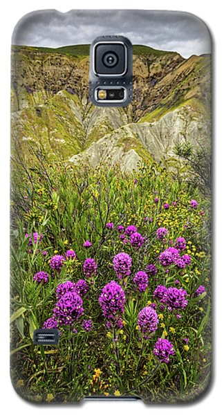 Galaxy S5 Case featuring the photograph Bouquet by Peter Tellone
