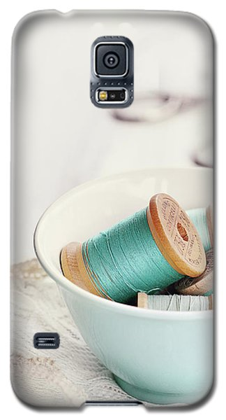 Bowl Of Vintage Spools Of Thread Galaxy S5 Case