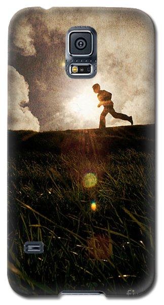 Boy Running Galaxy S5 Case