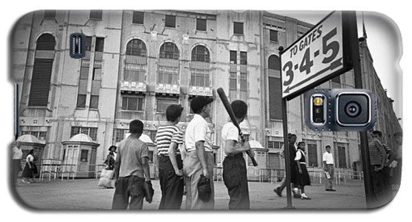 Yankee Stadium Galaxy S5 Case - Boys Staring At Yankee Stadium by MotionAge Designs