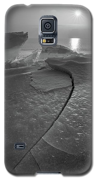 Galaxy S5 Case featuring the photograph Breaking Point by Davorin Mance