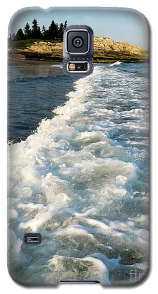 Galaxy S5 Case featuring the photograph Breaking Wave, Reid State Park, Georgetown, Maine  -80486 by John Bald