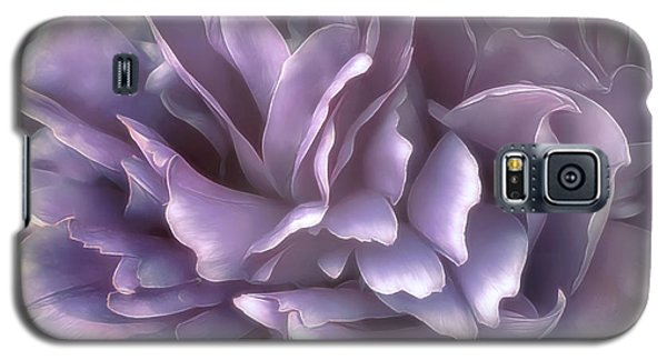 Galaxy S5 Case featuring the photograph Breeze In Cool Lilac by Darlene Kwiatkowski
