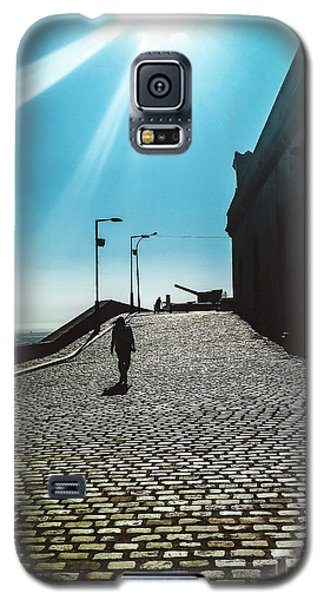 Galaxy S5 Case featuring the photograph Brick By Brick by Colleen Kammerer