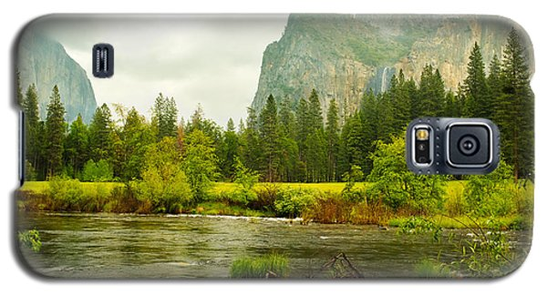 Bridal Veil Falls In Yosemite National Park Galaxy S5 Case by MaryJane Armstrong