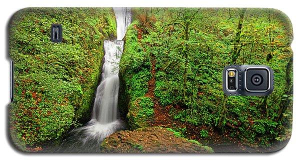 Galaxy S5 Case featuring the photograph Bridal Veil Falls by Jonathan Davison