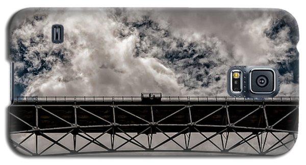 Bridge From Below Galaxy S5 Case