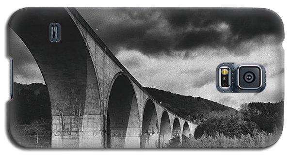 Galaxy S5 Case featuring the photograph Bridge by Hayato Matsumoto