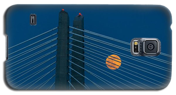 Galaxy S5 Case featuring the photograph Bridge Moon by Jerry Cahill