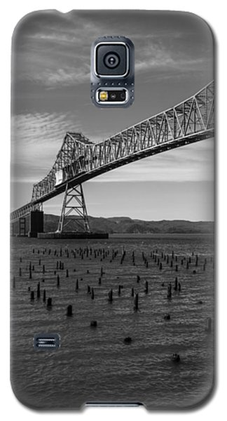Galaxy S5 Case featuring the photograph Bridge Over Columbia by Jeff Kolker