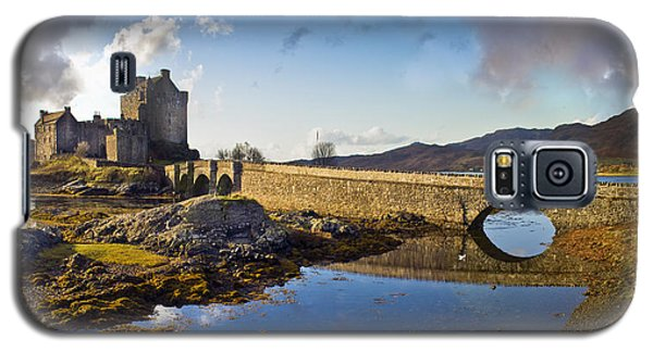 Bridge To Eilean Donan Galaxy S5 Case by Gary Eason
