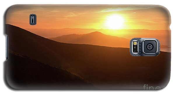 Bright Sun Rising Over The Mountains Galaxy S5 Case