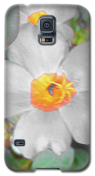 Bright White Vinca With Soft Green Galaxy S5 Case