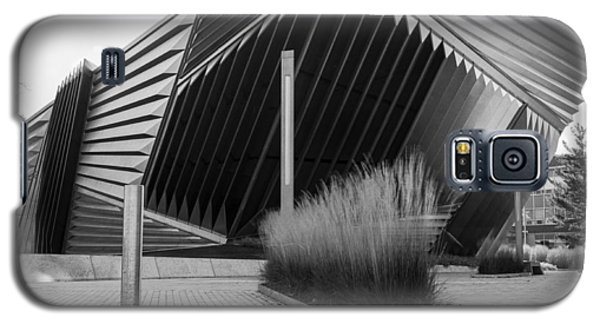 Broad Art Museum Galaxy S5 Case by Larry Carr