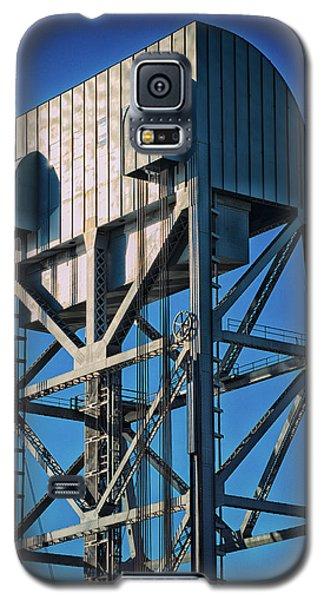 Broadway Bridge South Tower Detail 4 Chromatic Galaxy S5 Case