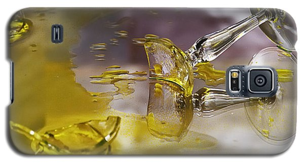 Galaxy S5 Case featuring the photograph Broken Glass by Susan Capuano
