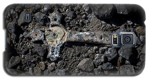 Broken Galaxy S5 Case by Jay Stockhaus