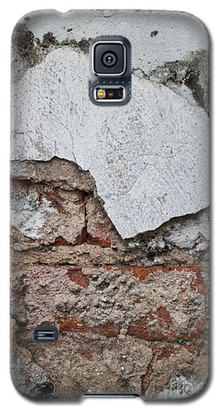 Broken White Stucco Wall With Weathered Brick Texture Galaxy S5 Case by Jason Rosette