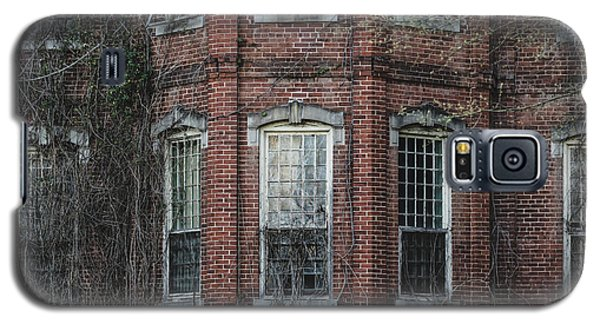 Galaxy S5 Case featuring the photograph Broken Windows On Abandoned Building by Kim Hojnacki