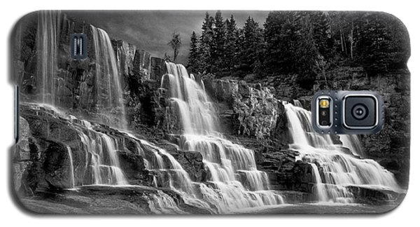 Brooding Gooseberry Falls Galaxy S5 Case
