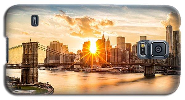 Brooklyn Bridge And The Lower Manhattan Skyline At Sunset Galaxy S5 Case