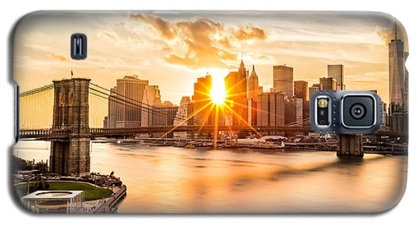 Brooklyn Bridge And The Lower Manhattan Skyline At Sunset Galaxy S5 Case