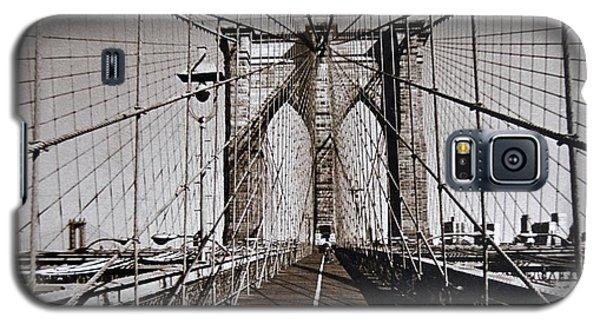 Brooklyn Bridge By Art Farrar Photographs, Ny 1930 Galaxy S5 Case