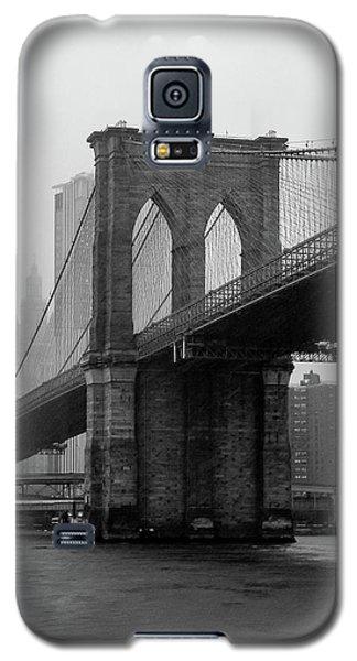 Brooklyn Bridge In A Storm Galaxy S5 Case