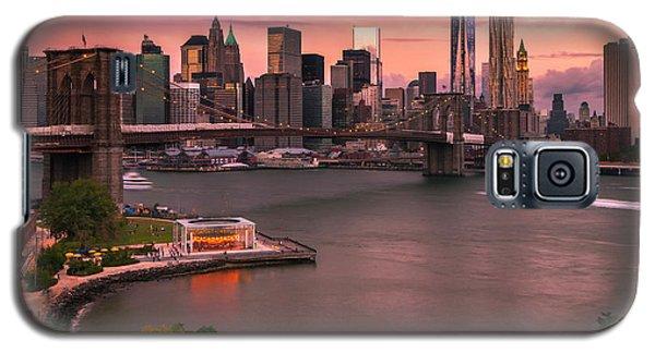 Brooklyn Bridge Over New York Skyline At Sunset Galaxy S5 Case