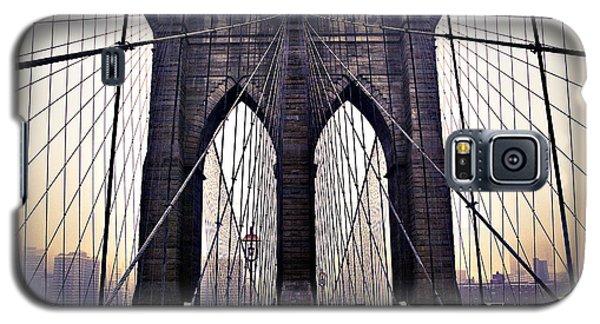 Brooklyn Bridge Suspension Cables Galaxy S5 Case by Ray Devlin
