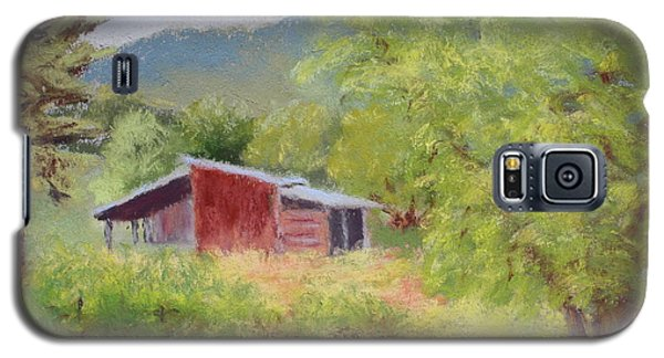Galaxy S5 Case featuring the painting Brown's Shed by Nancy Jolley