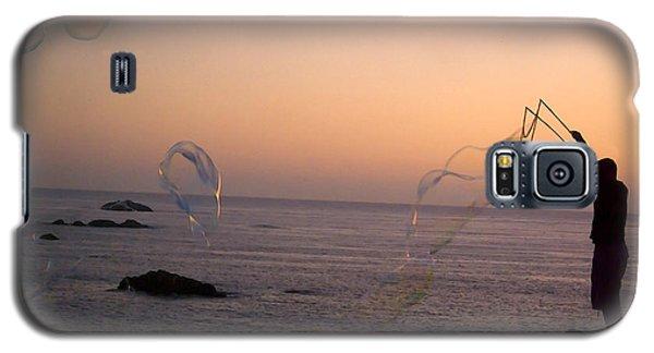 Bubbles On The Beach Galaxy S5 Case