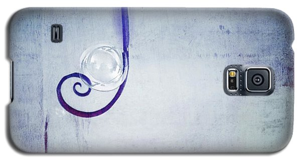 Galaxy S5 Case featuring the digital art Bubbling - 033a by Variance Collections