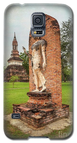 Galaxy S5 Case featuring the photograph Buddha Statue Sukhothai by Adrian Evans