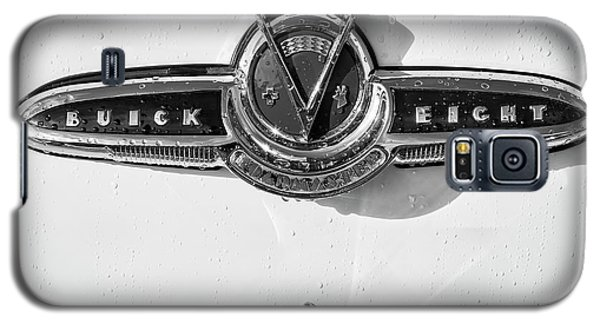 Galaxy S5 Case featuring the photograph Buick V Eight Monotone by Dennis Hedberg