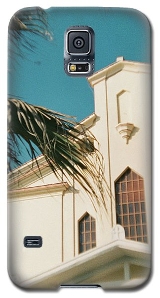 Building Behind Palm Tree In Ostia, Rome Galaxy S5 Case