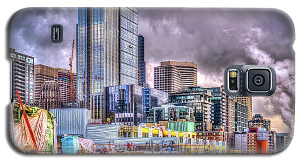 Galaxy S5 Case featuring the photograph Building Seattle by Spencer McDonald