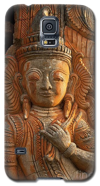 Galaxy S5 Case featuring the photograph Burma_d187 by Craig Lovell