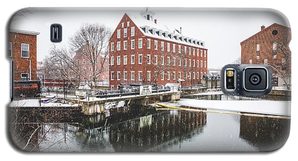 Galaxy S5 Case featuring the photograph Busiel-seeburg Mill by Robert Clifford