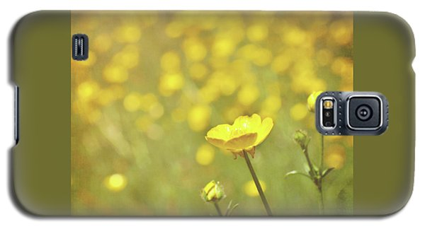 Galaxy S5 Case featuring the photograph Buttercups by Lyn Randle