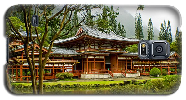 Byodo-in Temple Galaxy S5 Case by Rob Tullis