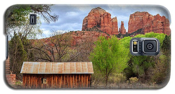 Galaxy S5 Case featuring the photograph Cabin At Cathedral Rock by James Eddy