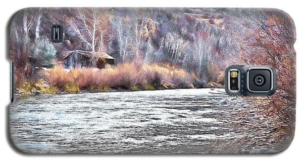 Cabin By The River In Steamboat,co Galaxy S5 Case by James Steele