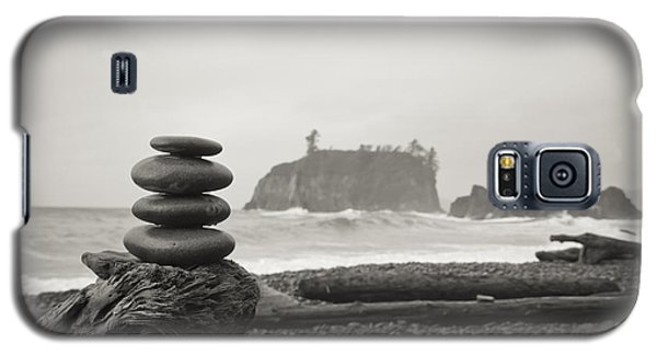 Cairn On A Beach Galaxy S5 Case
