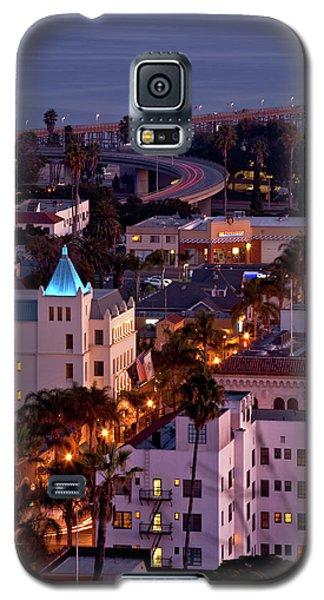 Galaxy S5 Case featuring the photograph California Street At Ventura California by John A Rodriguez