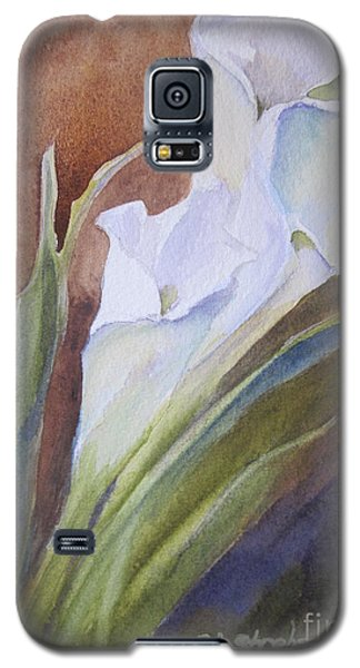 Galaxy S5 Case featuring the painting Calla Lillies by Sandra Strohschein