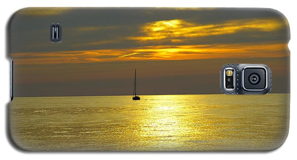 Calm Before Sunset Over Lake Erie Galaxy S5 Case by Donald C Morgan