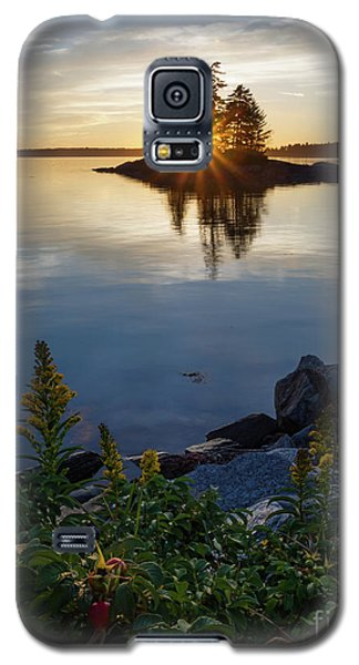 Galaxy S5 Case featuring the photograph Calm Water At Sunset, Harpswell, Maine -99056-99058 by John Bald
