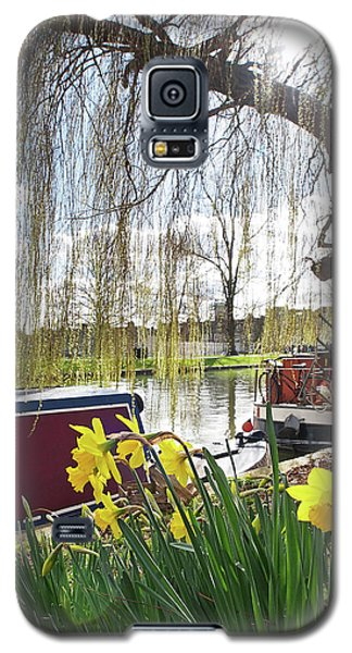 Galaxy S5 Case featuring the photograph Cambridge Riverbank In Spring by Gill Billington
